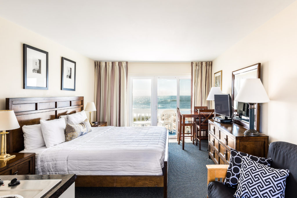 Oceanfront Gold King Bed